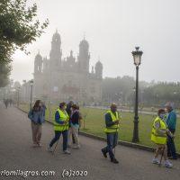 Peregrinos y niebla en el Santuario