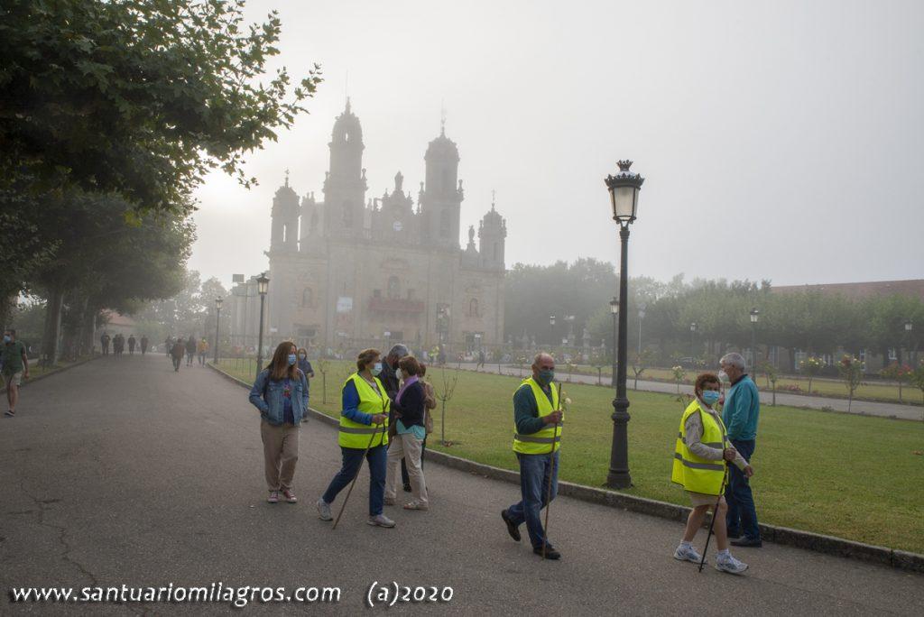 Mañana Niebla en el Santuario